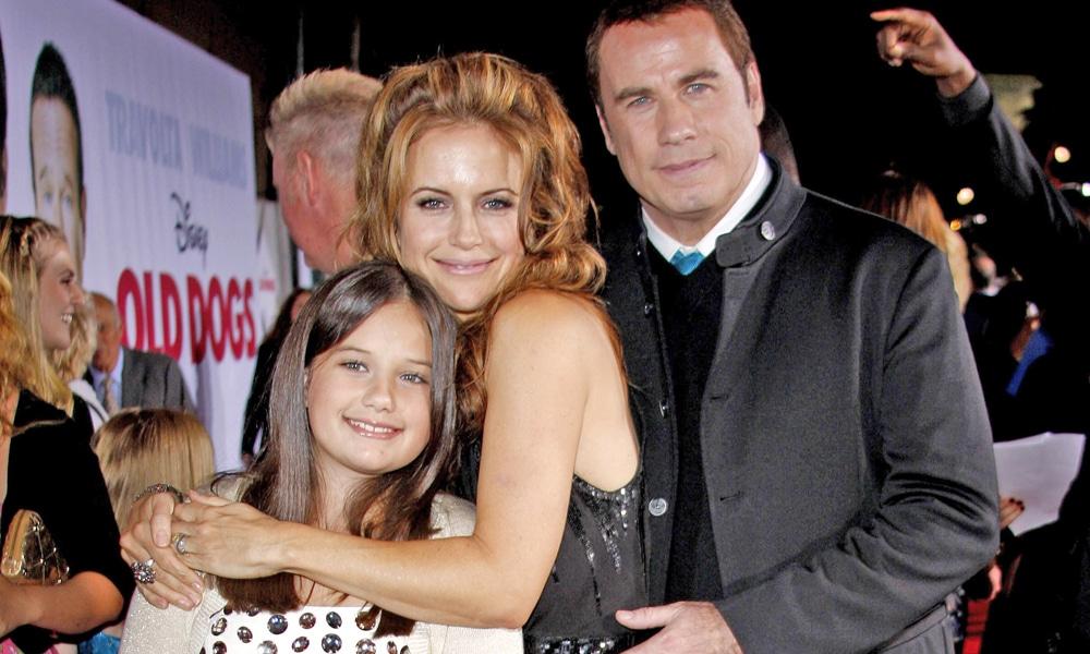 kelly preston and john travolta with daughter
